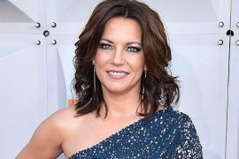 Martina McBride Bio, Net Worth, Height, Age, & Relationship