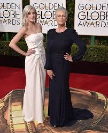 Annie with her mother Jamie in Golden Globe Award function
