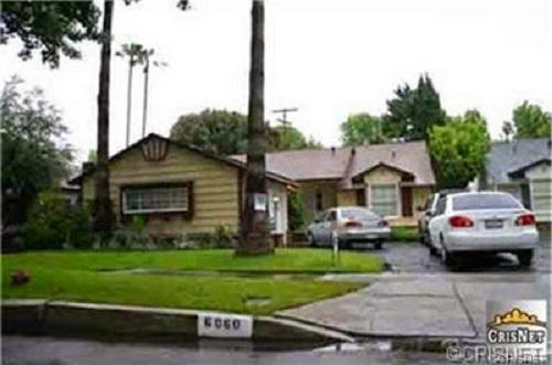Angela Kinsey's former house