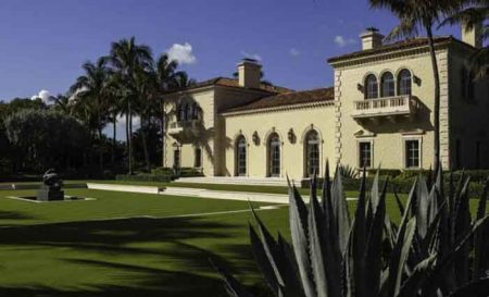 Kristy Hinze and her husband house