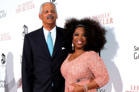 The 68 years old Stedman Graham atted in the red carpet with his partner