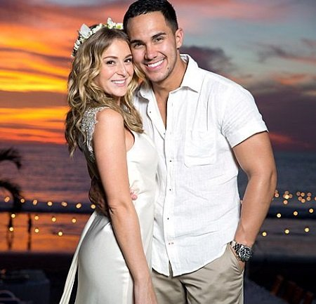 Alexa PenaVega and her spouse Carlos PenaVega on their wedding