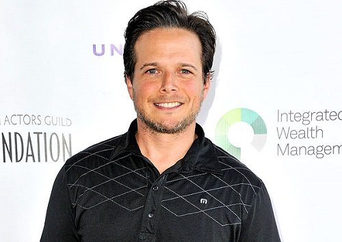 Scott Wolf Bio, Age, Net Worth, Wife, Family, & Height