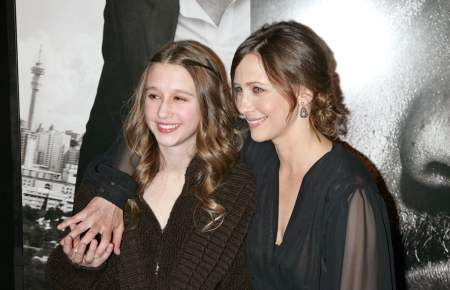 The 25 years old actress along with her sister