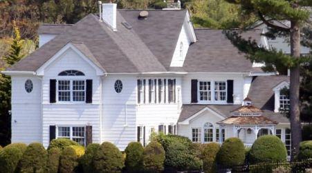 Spencer dad Bill O'Reilly's home in Manhasset, New York.