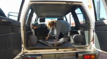 Teppich rausgerissen, Alltagsgewusel, Autoumbau, Campingumbau, 4WD, Allrad, Australien