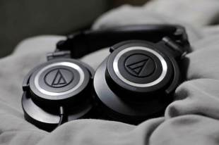 audio technica ath-m50 image 2 - Top 5 Electronic Gadgets under 10000