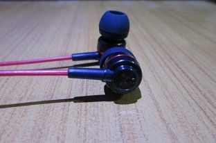 SoundMagic ES18 Review - Ear Cans