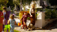 Best holiday episode (M): Trophy Wife 1x06 Halloween. I laughed so hard when Jackie mixed up The Iron Man with a guy who loves ironing (a.k.a. The Ironing Man). Bert's expression was priceless. Plus Jackie's bits with Kate were very funny as well. Warren dressing up as Ellen DeGeneres deserves a special mention too. It made me appreciate his character more.