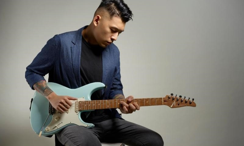 "Rising Fusion Guitar Virtuoso Jason Kui Releases New Video for ""Polarized"""