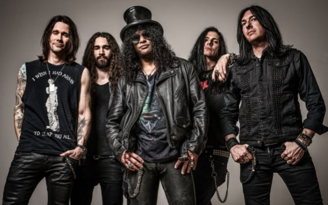 "Slash Ft Myles Kennedy & The Conspirators Will Release Their Third Album, ""Living The Dream"", On September 21"