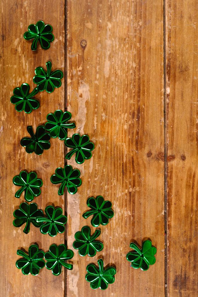 Four leaf clover table decorations