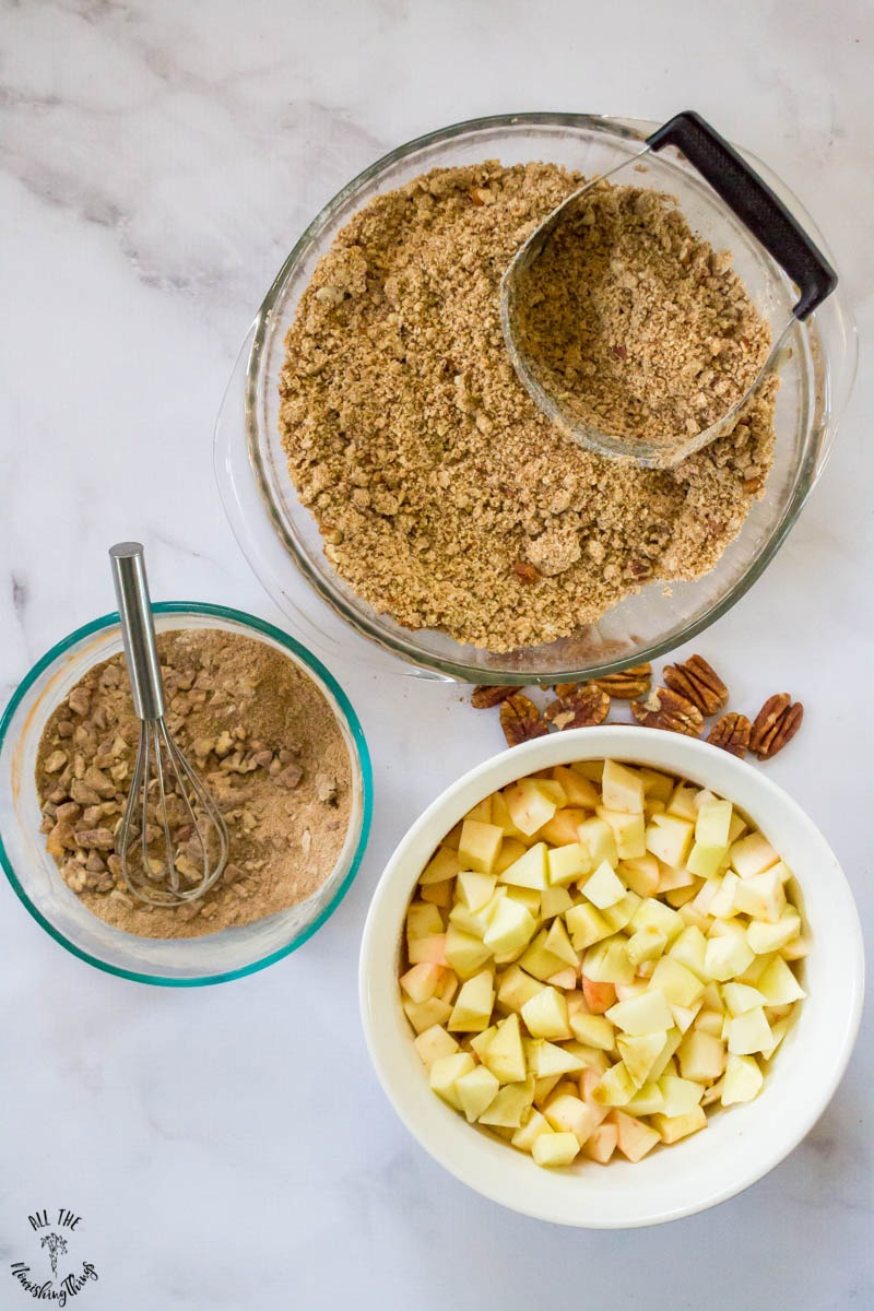 components to make paleo instant pot apple crumble
