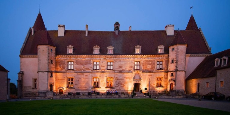 Front-Hotel-Golf-Chateau-de-Chailly-4-stars-Chailly-sur-Armancon-Burgundy_1200.600.crop-S.photo.b2487