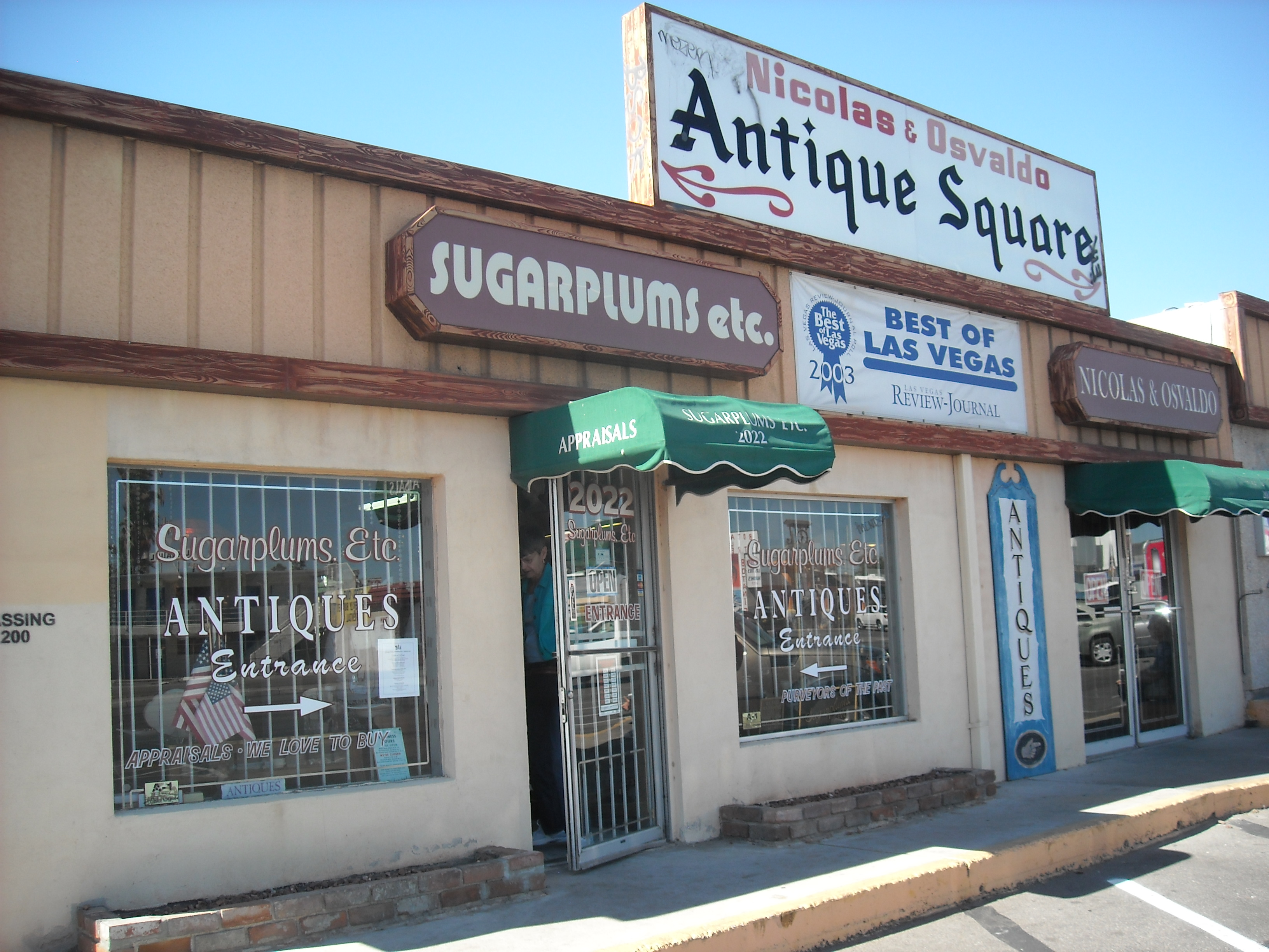 Antiquing in Las Vegas: A Winning Combination