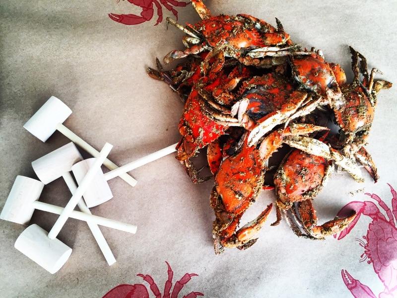 crabpicking in Maryland