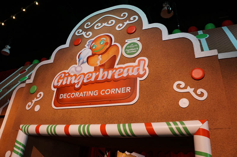Gingerbread Decorating Center - Christmas Village