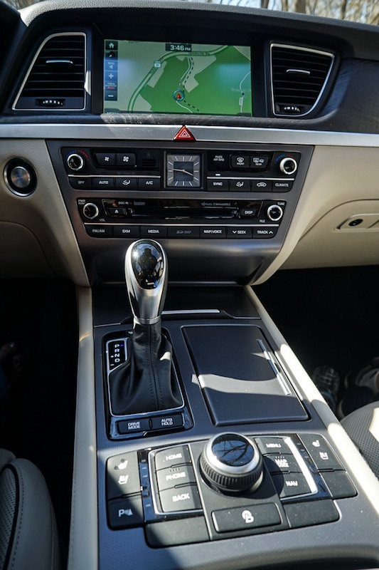 Genesis G80 center console