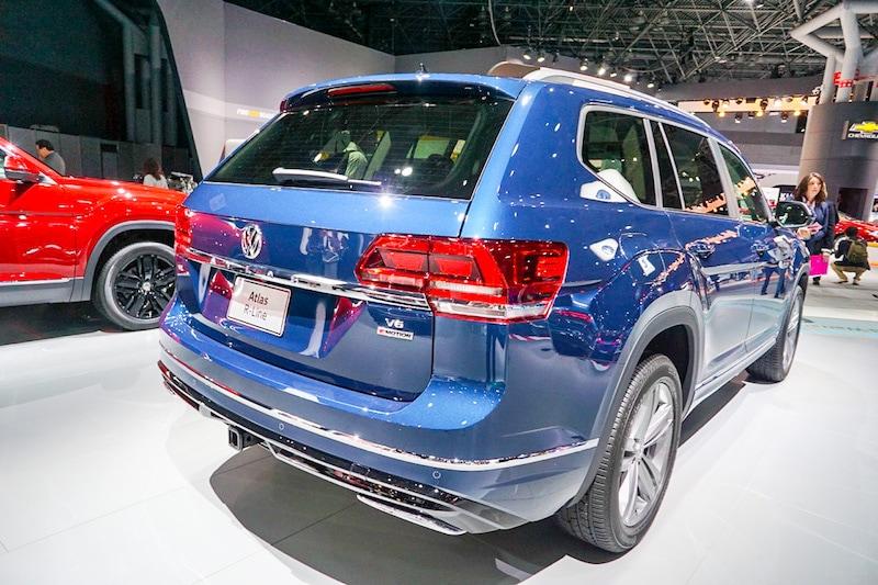 VW Atlas rear