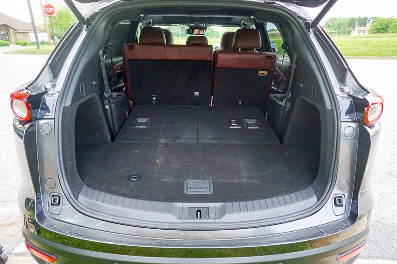 Mazda CX-9 total cargo