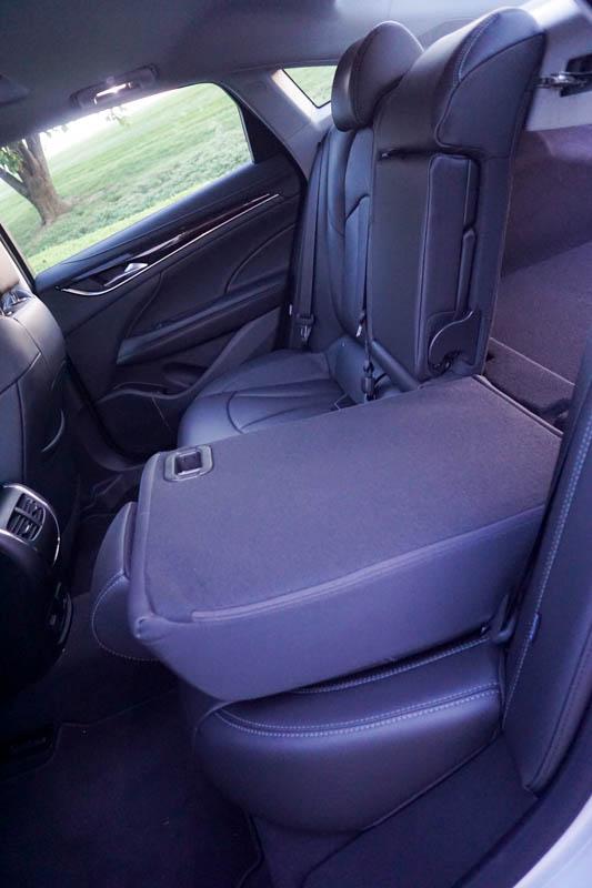 Buick LaCrosse - rear fold