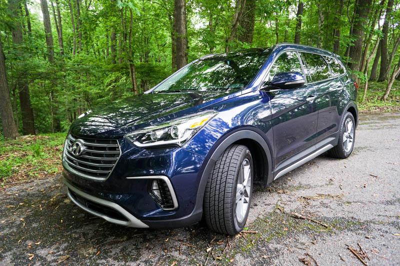 Hyundai Santa Fe - front panel