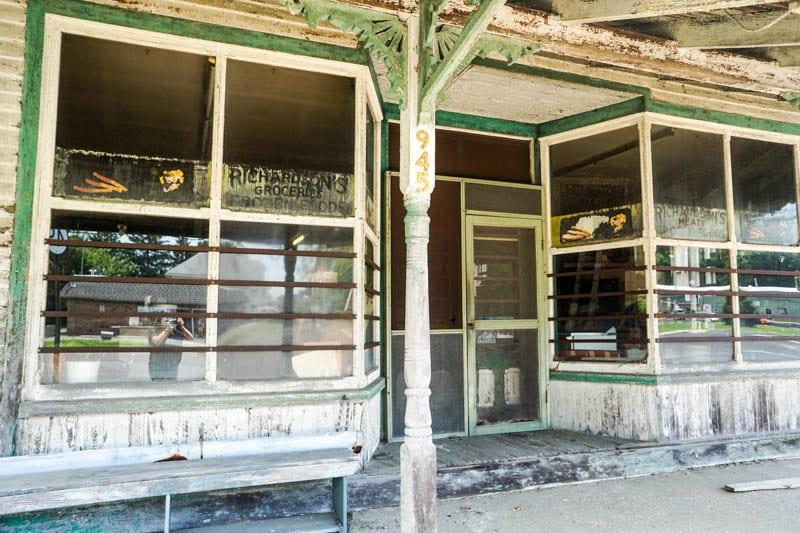 Richardson's store window