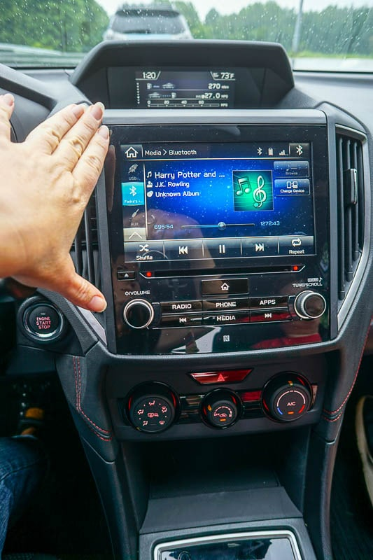2017 Subaru Impreza HD display