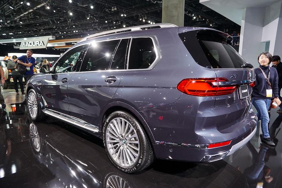 LA Auto Show- BMW X7 rear