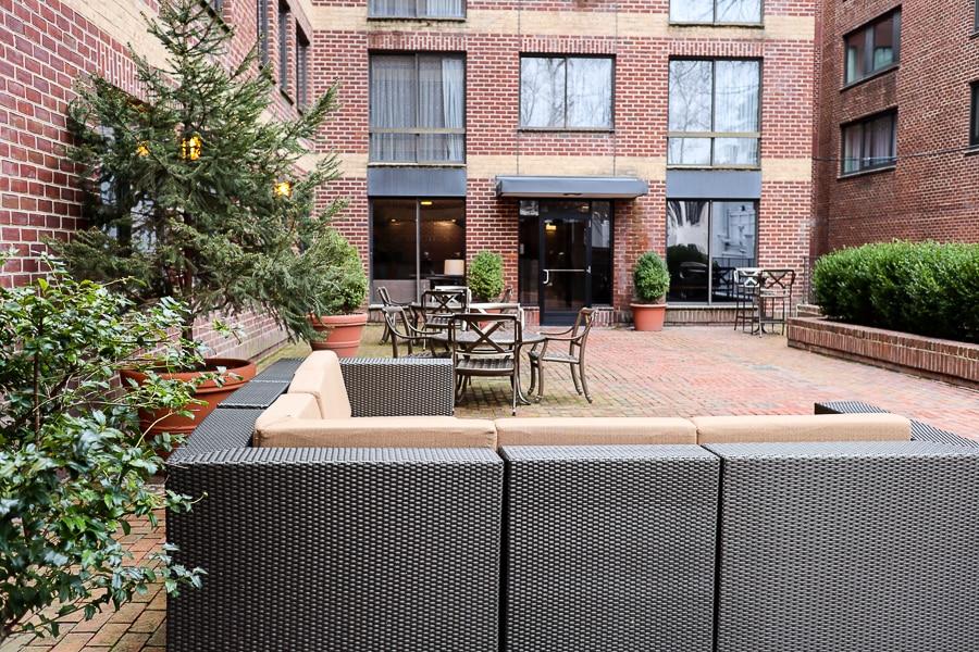 Georgetown Suites courtyard