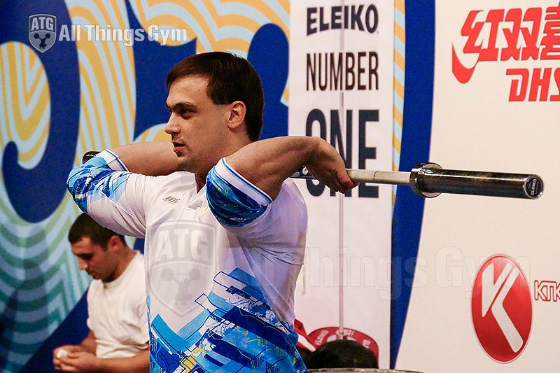 ilya-ilyin-stretching-shoulders-wrists-forearms-2014-almaty-world-championships