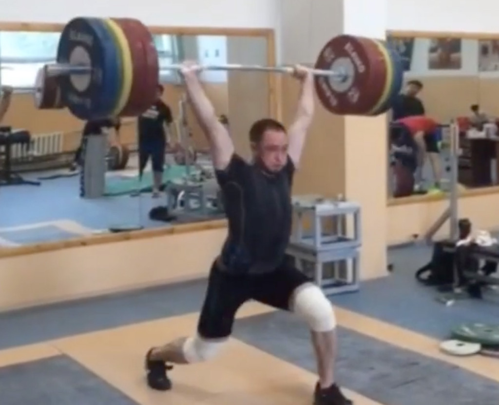 denis-ulanov-210kg-clean-front-squat-jerk