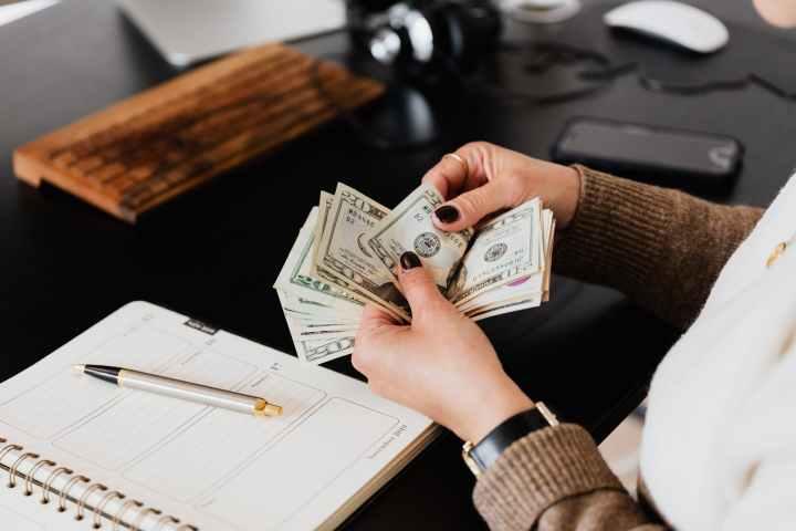 3 Ways I Manage Finances