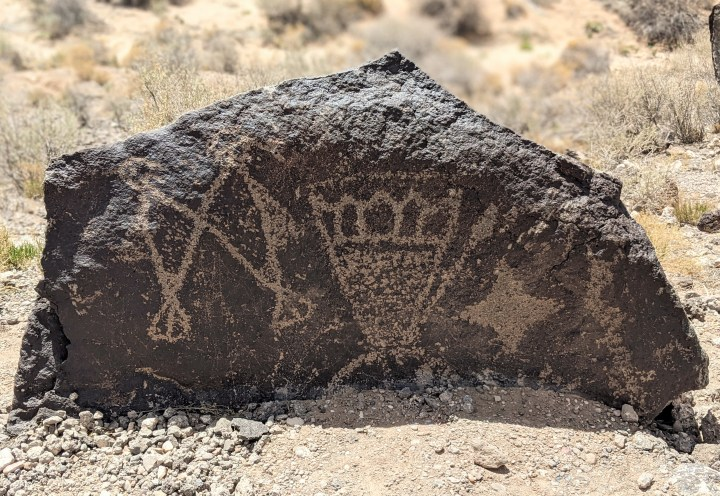 A picture of a petroglyph at the Petroglyph National Monument.