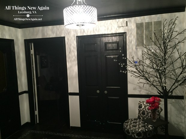 Black and White Entryway2.jpg