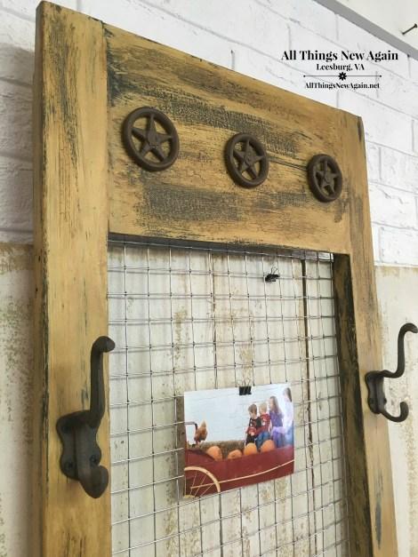closeup1-message-center-made-from-vintage-shutter