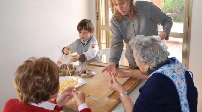 GNUCCHITEDDI (Making small gnocchi shapes using my great grandmother's device)