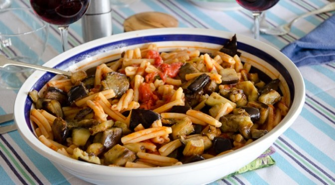 PASTA ALLA NORMA (Pasta with tomatoes, and eggplants)
