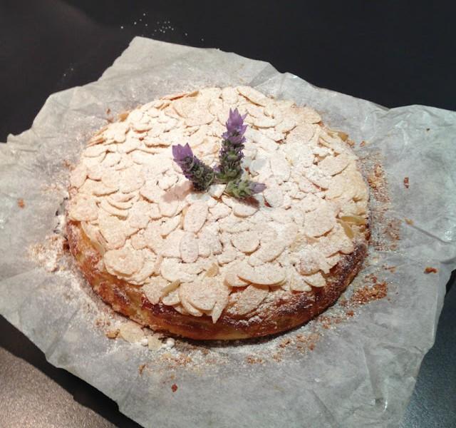ALMOND AND RICOTTA CAKE (Torta di mandorle e ricotta)