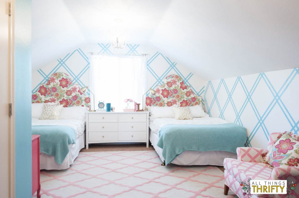 Girls Tween Bedroom Makeover {Gold, Turquoise, Magenta