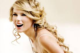Taylor Swift - 3rd most popular Female singer