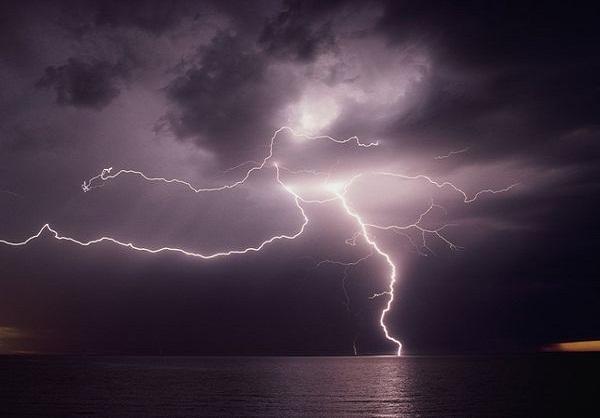 Lightning Strikes 6 Times