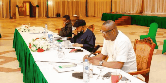 Labour Reps Walk Out On FG As Meeting Over Fuel Price Hike Ends In Disarray
