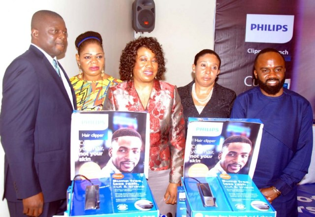 Pix: from left Ime Umoh, GM, Philips Healthtech, West Africa; Adesuwa Igho-Orere, Executive Director, Technology Distribution; Chioma Nweke, General Manager, Philips Personal Health, West Africa; Dr Ayesha Akinkugbe, Consultant Dermatologist, College of Medicine, University of Lagos and Noble Igwe, Celebrity Blogger and Promoter of YNaija at the media launch of Philips Clipper in Lagos.