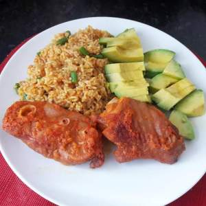 Plate of slim rice with turkey, best meal for weight loss.