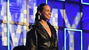 Alicia Keys host Grammy Awards