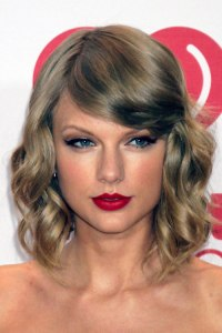 taylor swift hair color formula taylor swift short curly ...