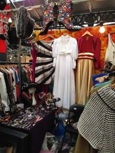 Victoria's Vintage - the wedding dress caught my eye, beautiful