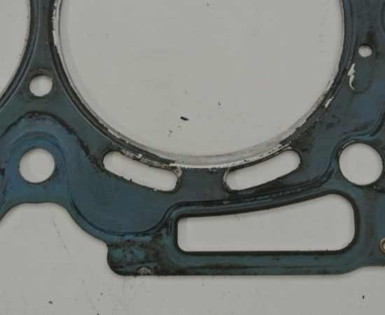Internal Failure of Head Gasket on a Subaru 2.5l
