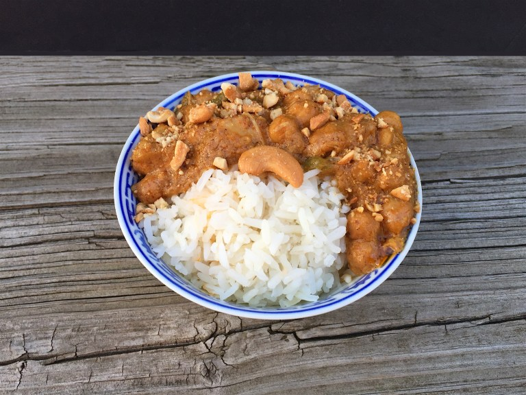 cashew-chicken-chickpea-curry